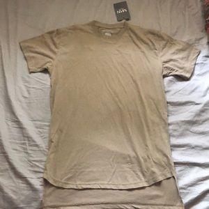 Short sleeve long line curved hem T-shirt